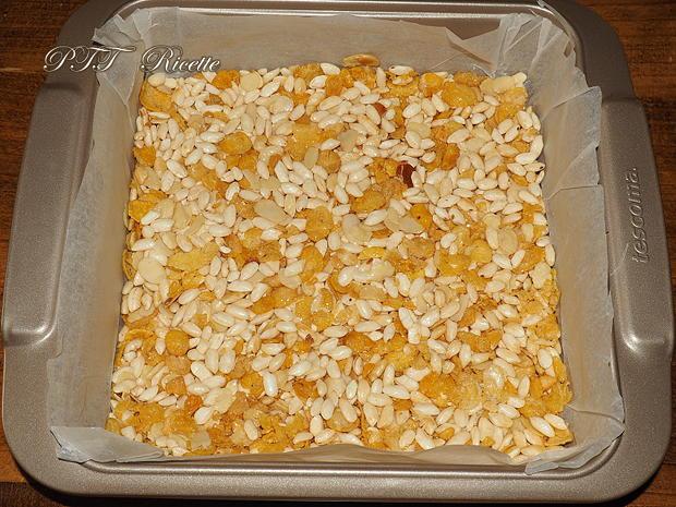 Barrette di cereali fatte in casa con cioccolato bianco 5