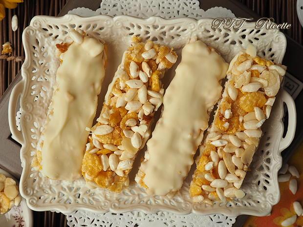 Barrette di cereali fatte in casa con cioccolato bianco 9