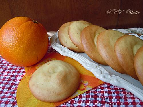 Biscotti all'arancia di pasta frolla all'olio 3