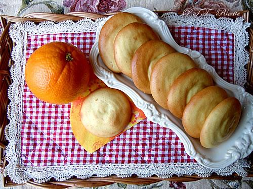 Biscotti all'arancia di pasta frolla all'olio