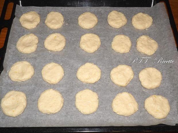Biscotti alla ricotta con confettura di fichi 3