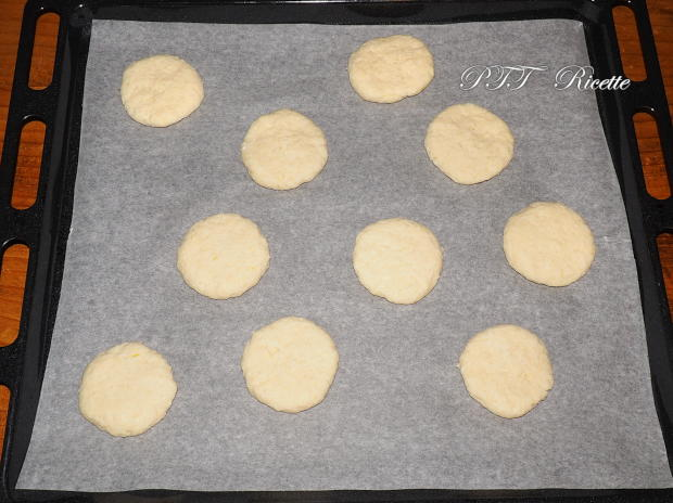 Biscotti alla ricotta con mele 2
