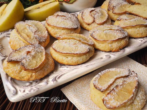 Biscotti alla ricotta con mele