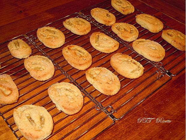 Biscotti alle banane con pasta frolla all'olio 6