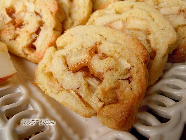 Biscotti alle mele con pasta frolla all'olio 12