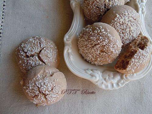 Biscotti per colazione al cocco e cacao 1