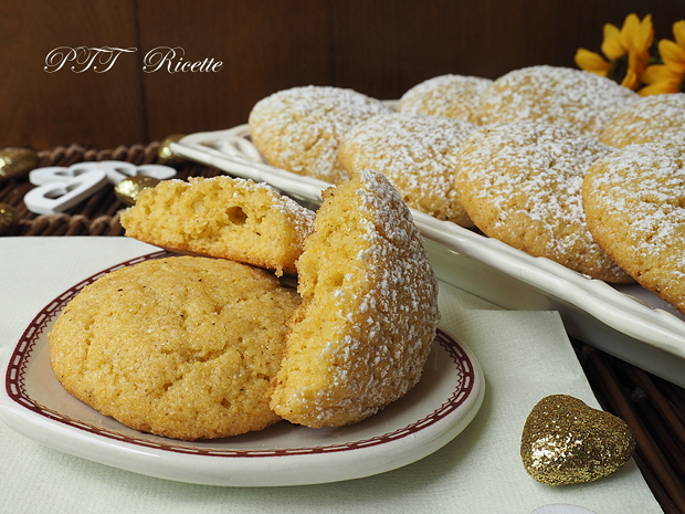 Biscotti con farina di mais Fioretto