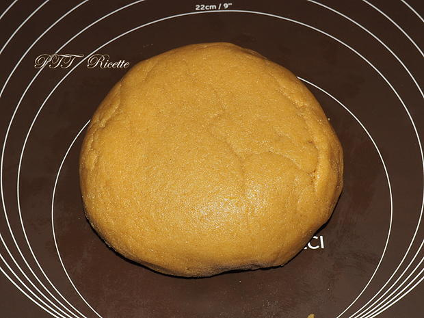 Biscotti con semola alla cannella con cioccolato 1