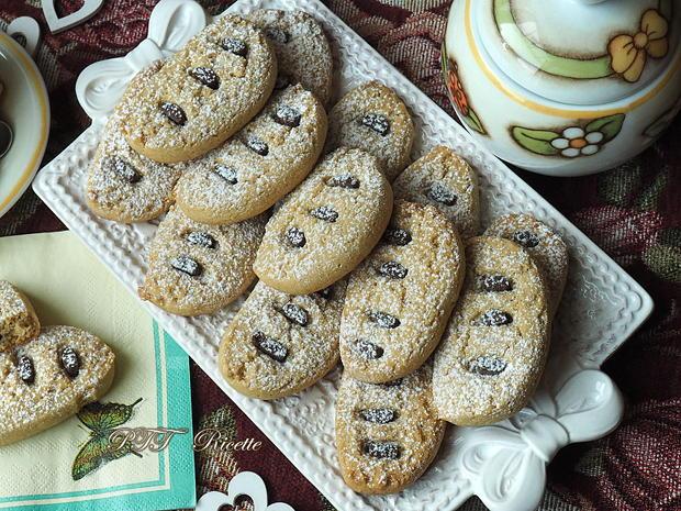 Biscotti con semola alla cannella con cioccolato 8