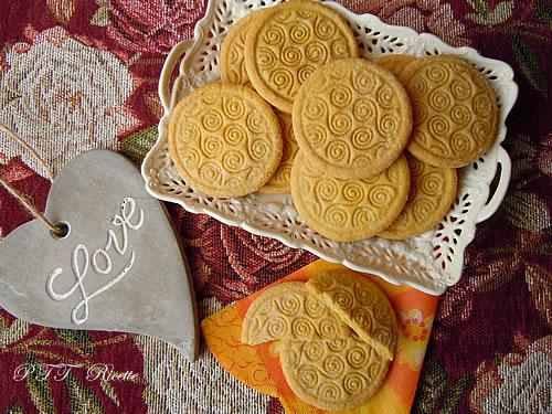 Biscotti di pasta frolla all'olio