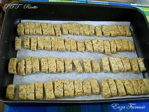Biscotti piccanti 2