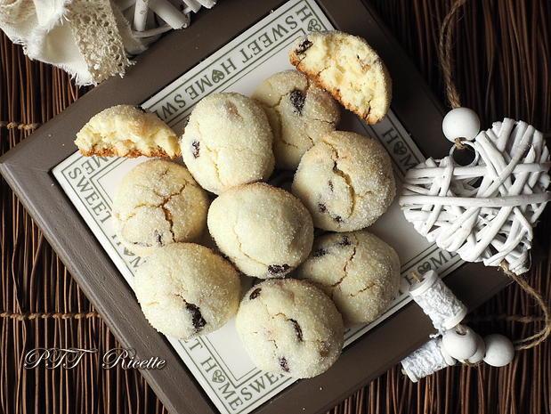 Biscotti senza glutine con uvetta e canditi 1