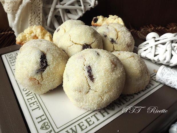 Biscotti senza glutine con uvetta e canditi