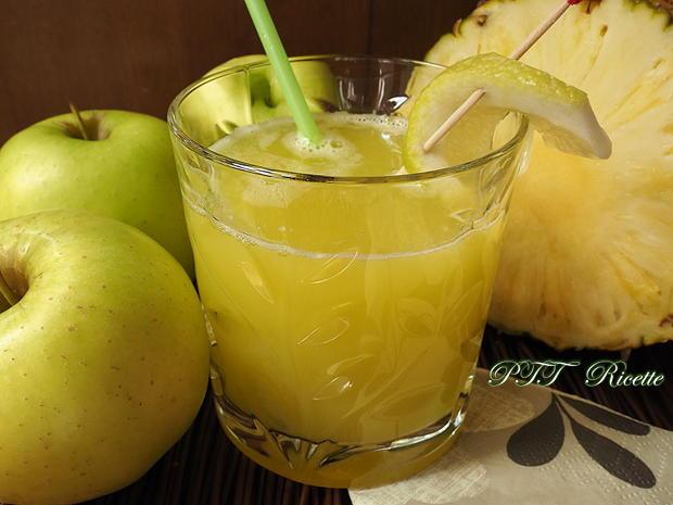 Centrifugato di ananas e mele