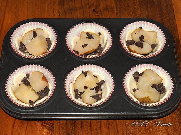 Cestini di pasta sfoglia con pere e cioccolato 4