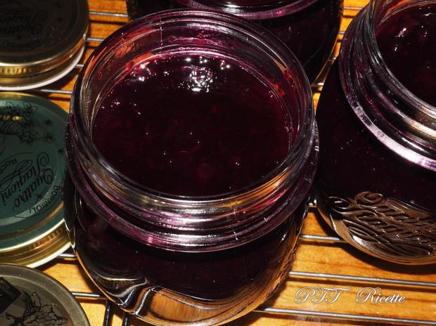 Confettura di uva nera fatta in casa 6