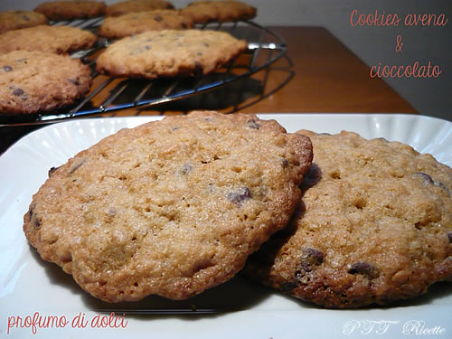 Cookies all'avena e cioccolato