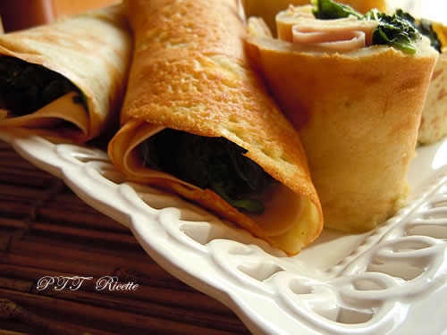 Crepes di farina di ceci, spinaci e mortadella 4