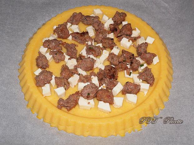 Crostata di Polenta salata con salsiccia e stracchino 11