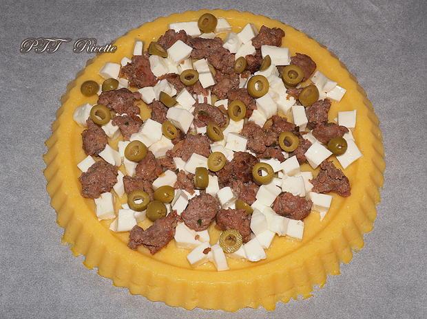 Crostata di Polenta salata con salsiccia e stracchino 12