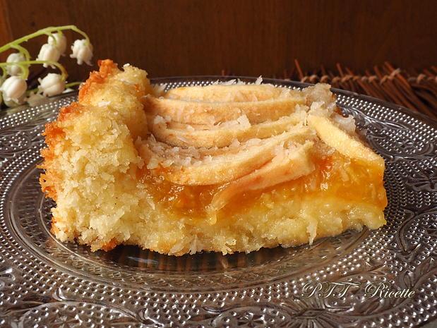 Crostata morbida al cocco con mele e marmellata 10