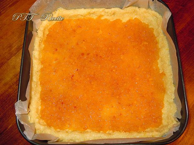 Crostata morbida al cocco con mele e marmellata 5