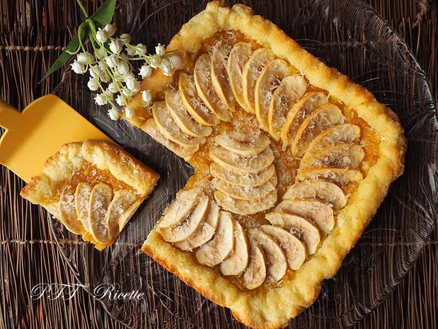 Crostata morbida al cocco con mele e marmellata 7
