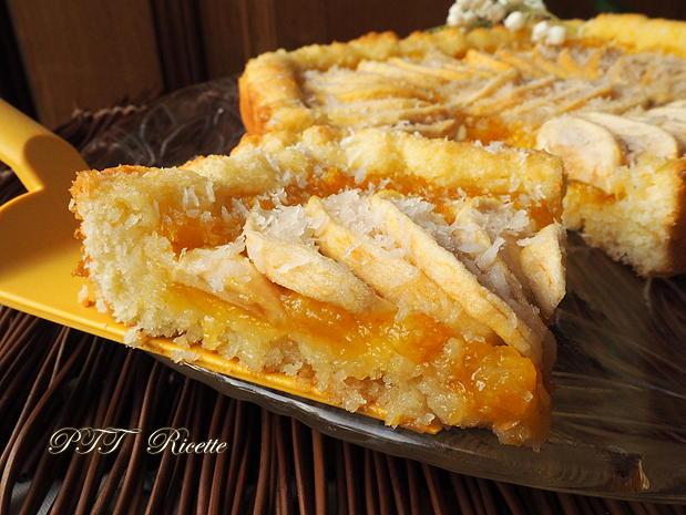 Crostata morbida al cocco con mele e marmellata 8