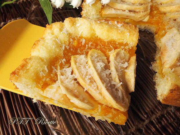 Crostata morbida al cocco con mele e marmellata 9