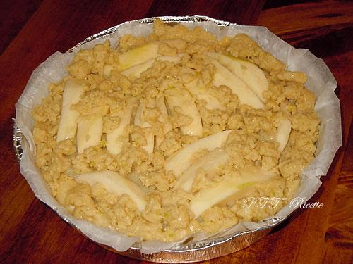 Crostata vegana con crema, mele e cioccolato 3
