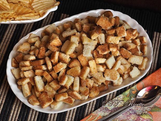 Crostini tostati e fritti alla salvia 7
