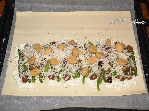 Fagotto di pasta sfoglia con ricotta, fagiolini e olive 5