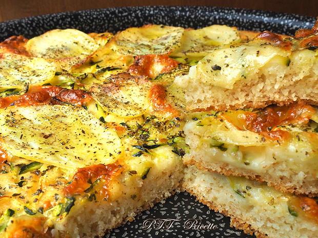 Focaccia di semola veloce con zucchine e patate 7