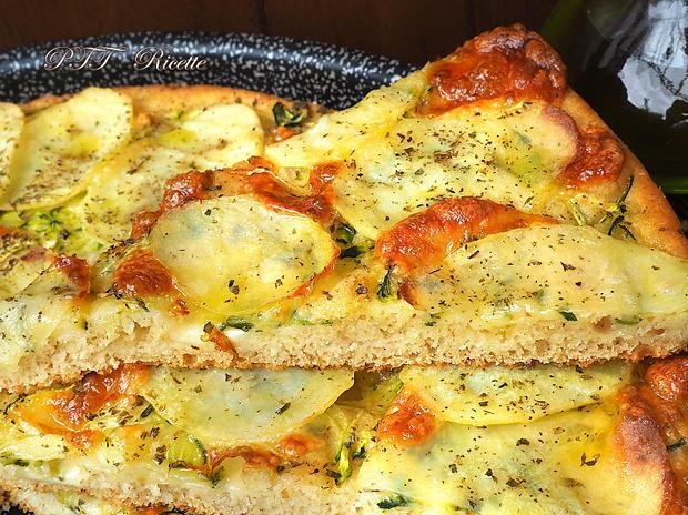 Focaccia di semola veloce con zucchine e patate 8