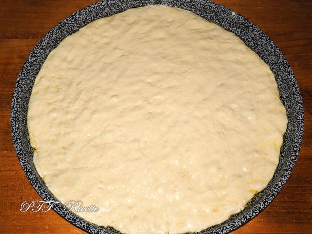 Focaccia ripiena di scarole e mozzarella 3