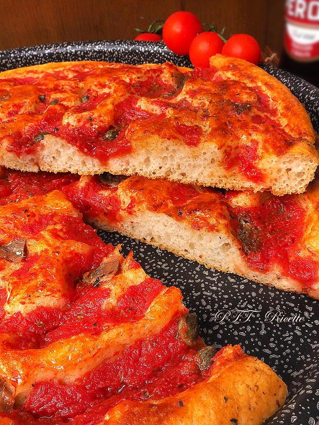 Focaccia veloce al pomodoro, origano e acciughe 8