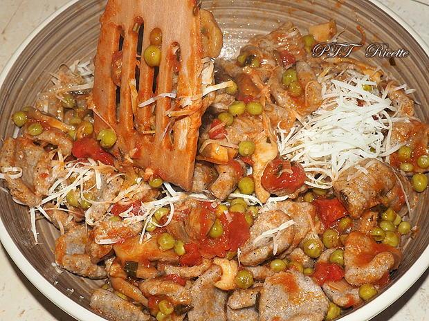 Gnocchi di grano saraceno con funghi e piselli 5