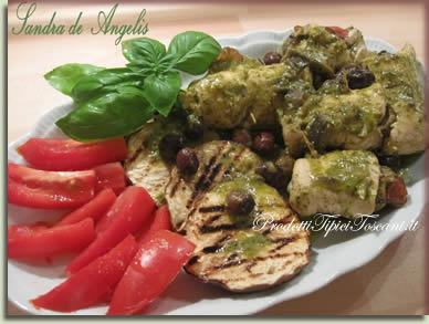 Involtini di pollo con salsa di stracchino e pesto 1