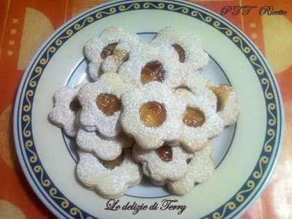 Biscotti di frolla e marmellata