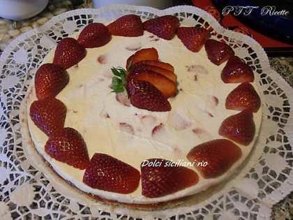 Cheesecake con fragoloni senza cottura