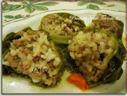 Involtini di riso e carne in foglie di verza
