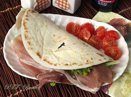 Piadina con prosciutto e Gorgonzola