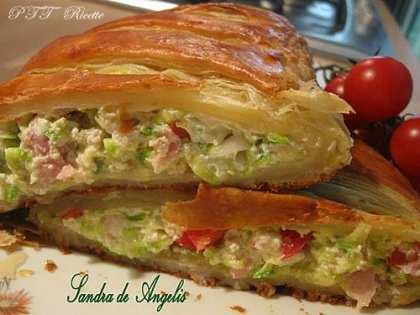 Strudel salato con ricotta e zucchine