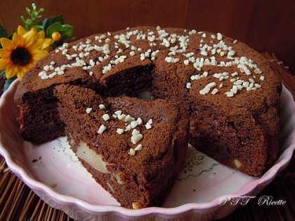 Torta al cacao con ricotta e pere
