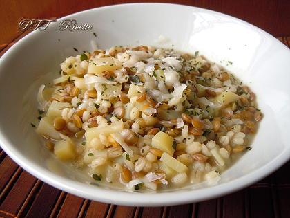 Zuppa di orzo, lenticchie e patate