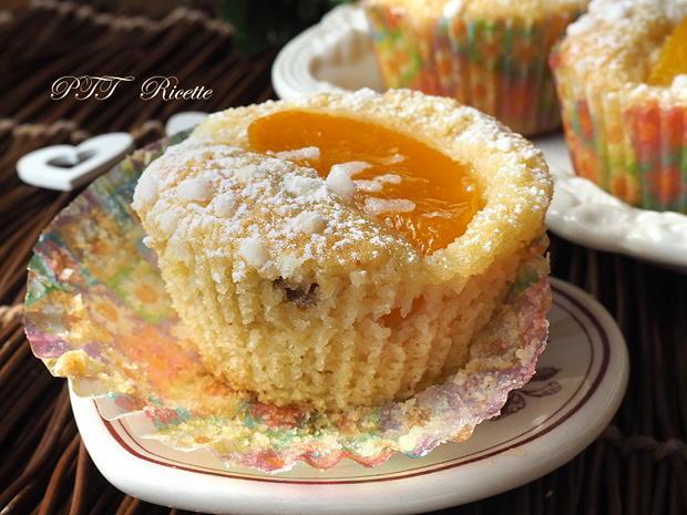 Muffin al cocco con pesche sciroppate 10