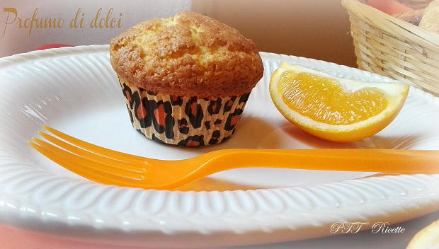 Muffin all'arancia soffici