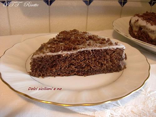 Pan di Spagna al cacao con glassa 2