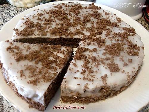 Pan di Spagna al cacao con glassa 3