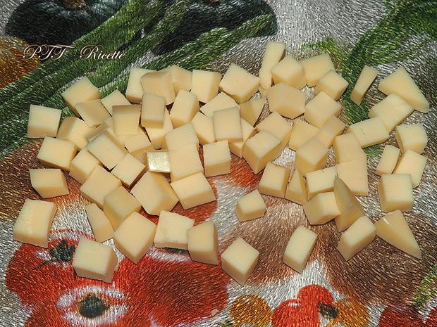 Pandoro salato con pancetta, provolone e parmigiano 5